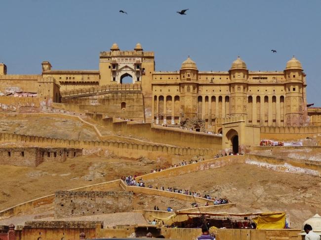VIAJE A LA TIERRA DE RAJPUTANA EN VIAJES A LA INDIA - Agra / BIKANER / Delhi / FATEHPUR SIKRI / Fuerte Amber / Jaipur / JAISALMER / JODHPUR / Mandawa  / Púshkar / RANAKPUR / UDAIPUR /  - Buteler en India