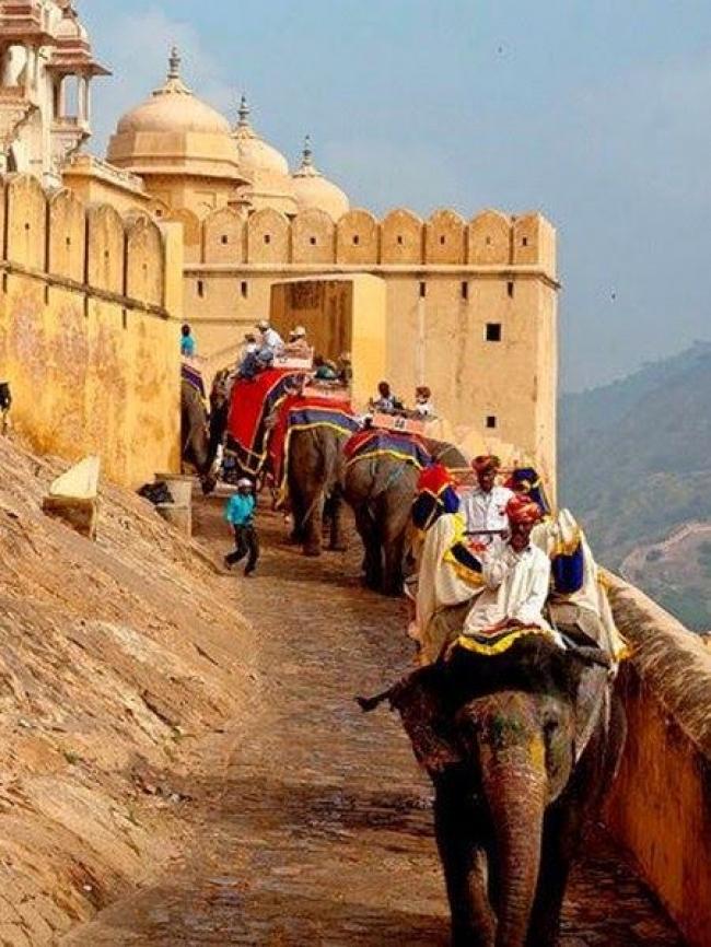 VIAJES A LA INDIA Y VIETNAM DESDE ARGENTINA - Siem Riep / Agra / Jaipur / Nueva Delhi / Shahpur / Bangkok / Da Nang / Da Nang / Ha Long / Hanoi / Hoi An /  - Buteler en India
