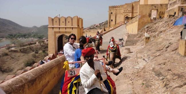 VIAJES A LA INDIA DORADA DESDE ARGENTINA - Agra / Delhi / FATEHPUR SIKRI / Jaipur / Samode Palace /  - Buteler en India