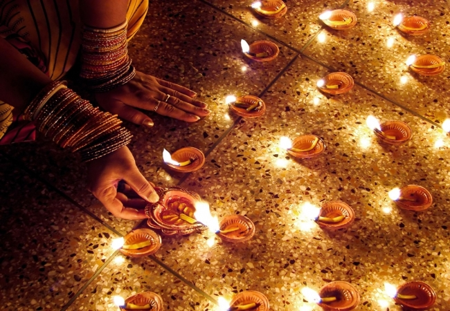 VIAJE GRUPAL A LA INDIA Y NEPAL CON FIESTA DIWALI EN INDIA - Buteler en India